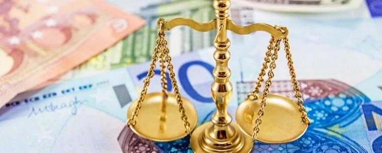 Demolito l' equo compenso: per il Tar l'avvocato deve lavorare bene a basso costo